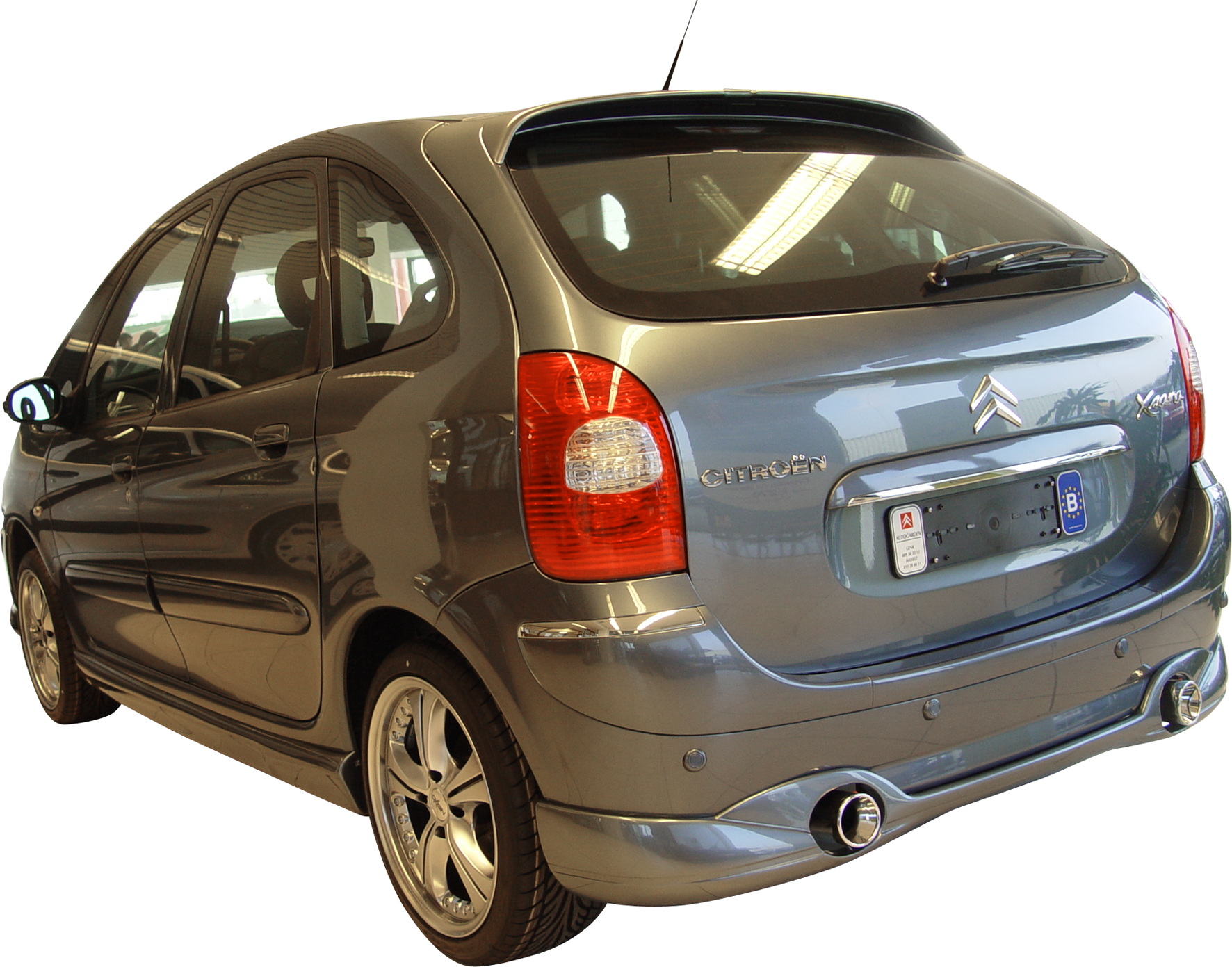 showoff imports citroen xsara picasso ii double exhaust rear bumper lip c. Black Bedroom Furniture Sets. Home Design Ideas
